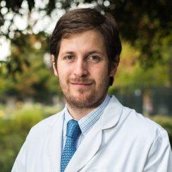 Dr. Arturo José Cavagnaro Infante