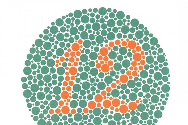 El número 12 lo ven normales y daltónicos.